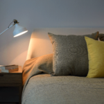 ブルーマンデーは平日の睡眠負債が原因?体内リズムのズレを改善する方法を紹介